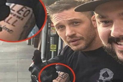Tom Hardy pierde una apuesta con Leonardo DiCaprio y se hace este tatuaje humillante