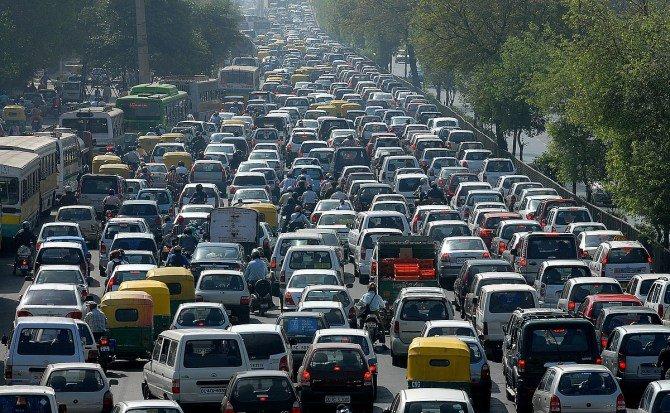 ¿Sabes qué pasaría si desaparecieran los coches de más de 15 años?