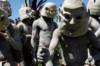 Así es la inquietante tribu Asaro, los últimos caníbales