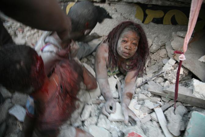 Altos cargos de Oxfam organizaron orgías con prostitutas tras el terremoto de Haití