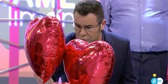 Dolor y humillación en el San Valentín de 'Sálvame': Jorge Javier Vázquez estalla contra el decorado de corazones