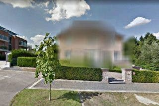 El prófugo Puigdemont logra 'borrar' de Google Maps su mansión de Waterloo