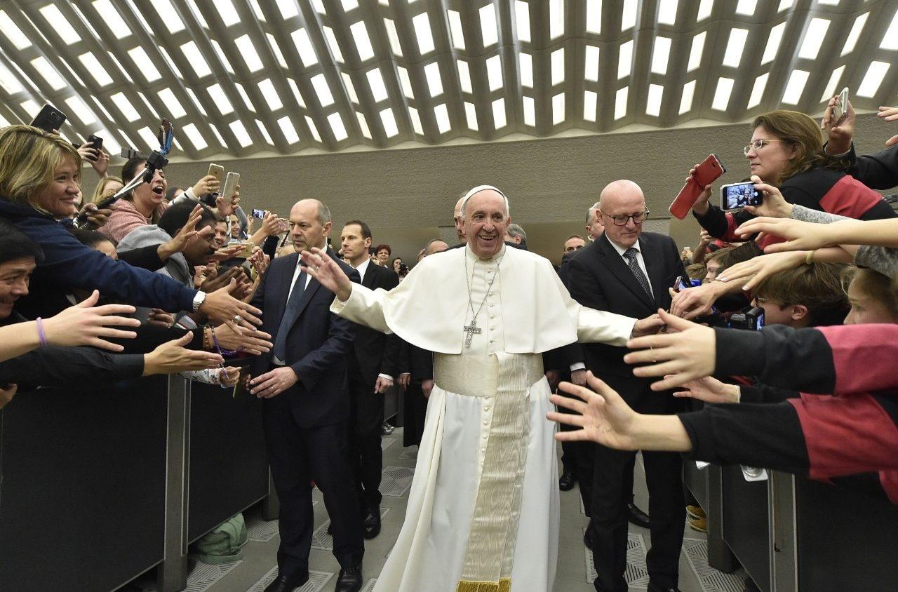 """El Papa advierte a fieles y curas: """"La misa no se paga. Es el sacrificio de Cristo que es gratuito"""""""