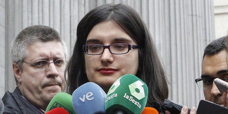 El antológico 'zasca' que la faltona Cassandra Vera se lleva tras ser absuelta por sus chistes sobre Carrero