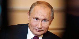 Rusia anuncia que ya vacunó a 100.000 ciudadanos contra el COVID-19
