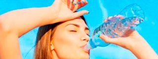 ¿Sabes cuánto te van a costar las botellas de agua en los aeropuertos españoles a partir de ahora?