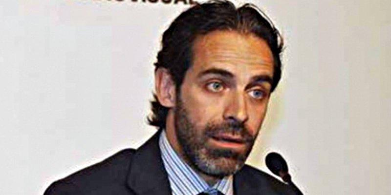 Cataluña: Mariano Rajoy pone de 'patitas en la calle' a Antoni Molons por sus pufos el 1-O