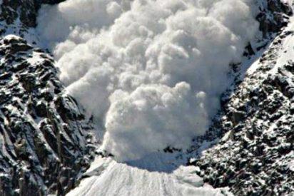 Mueren dos esquiadores españoles aplastados bajo un alud de nieve en Francia