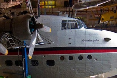 Así es el 'fantasma' de una copiloto dentro de un avión de la Segunda Guerra Mundial que asusta a las redes