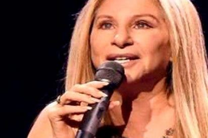La excéntrica Barbra Streisand clona a su mascota