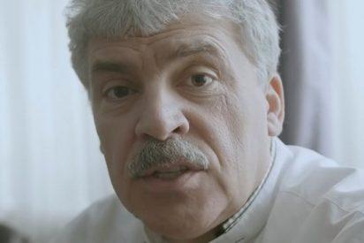Este candidato comunista ruso se afeita el bigote por una apuesta electoral