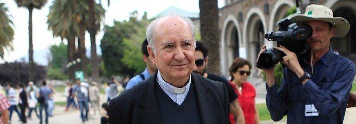"""Errázuriz culpa a Barros del """"fracaso"""" de la visita del Papa a Chile"""