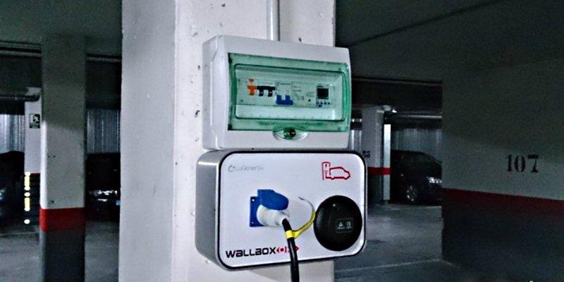 Coche eléctrico: ¿Sabes que hay que hacer para instalar un enchufe de recarga en el garaje?