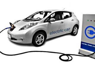 Coche eléctrico: El Ministerio incrementa las ayudas para la instalación de puntos de recarga