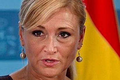 Cifuentes deja con el culo al aire a la portavoz de Podemos al recordarle lo que cobran las mujeres de su partido