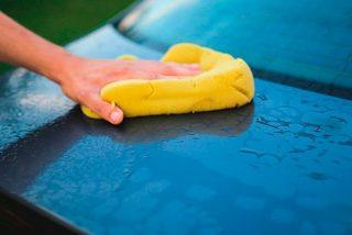 Los peligros de dejar tu coche mal aparcado