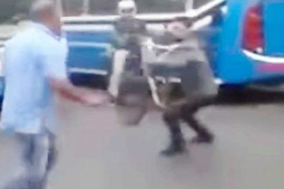 La brutal pelea entre conductores de autobuses y ciclistas