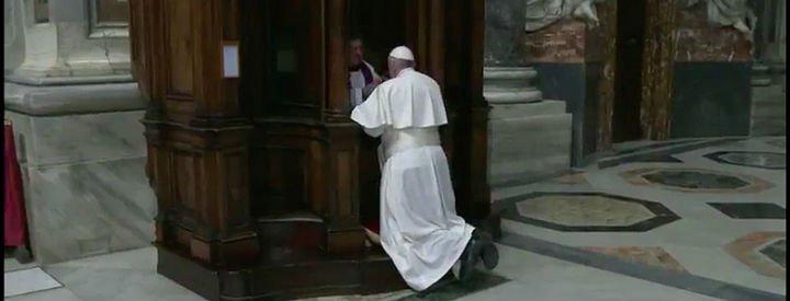 """Francisco: """"Dejémonos amar y purificar por el amor gratuito de Dios"""""""