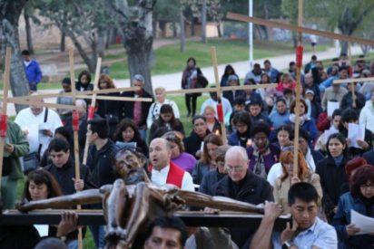 Inmigrantes y refugiados, protagonistas del vía crucis diocesano de Valencia
