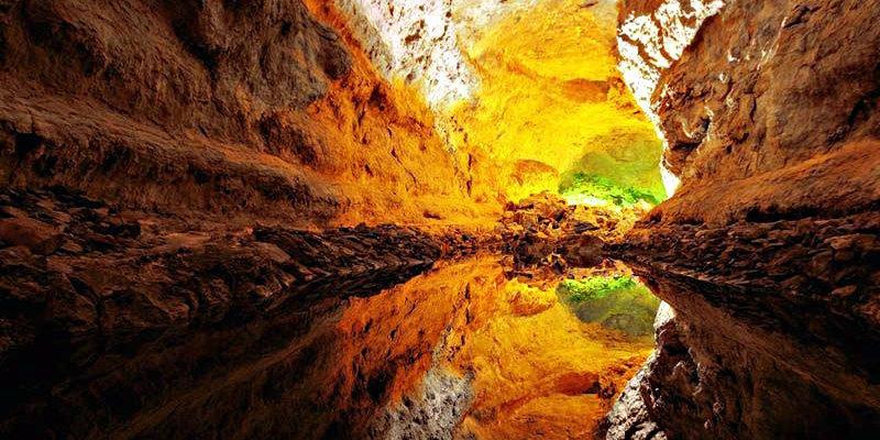 Cueva de los Verdes: Un agujero de gusano volcánico, recreado del subsuelo de Lanzarote