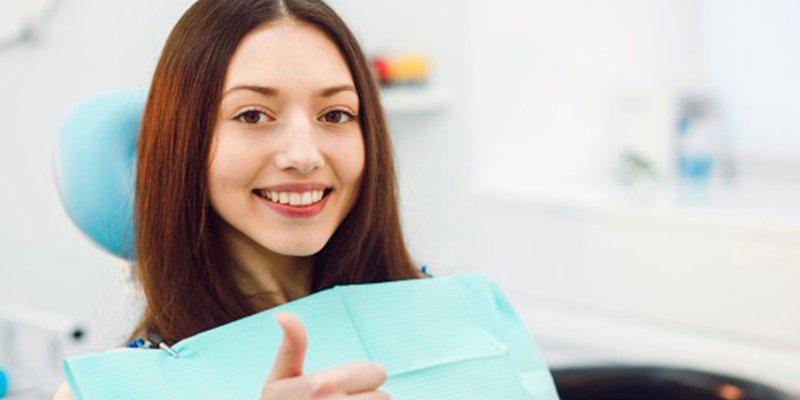 Los peligros para tu salud de adquirir tratamientos dentales en Internet sin la supervisión de un profesional cualificado