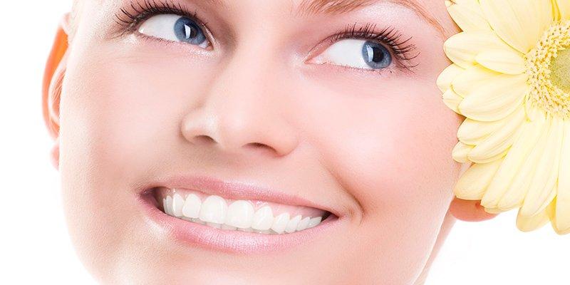 Los 10 mitos más falsos que un euro de madera, sobre la salud de tus dientes