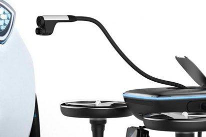 Así es el drone de emergencia que carga tu vehículo eléctrico para seguir conduciendo