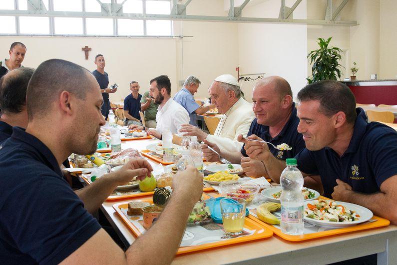 'En la mesa con Francisco': Un Papa que sabe cocinar