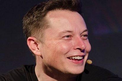 Elon Musk ya ha borrado las páginas de SpaceX y Tesla en Facebook