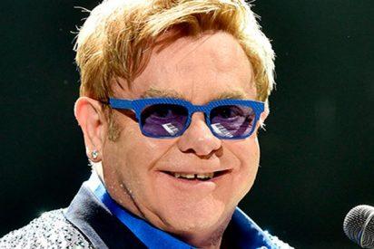 Elton John abandona el escenario después de que un fan se pasara dos pueblos
