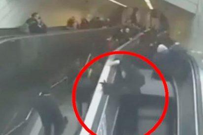 Estas escaleras mecánicas se 'tragan' a un hombre en Estambul