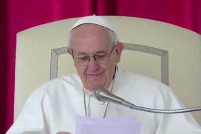 """El Papa condena a los cristianos mafiosos, que """"no tienen nada de cristianos y llevan la muerte en el alma"""""""