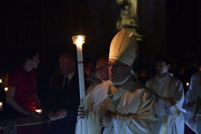 """Francisco: """"Celebrar la Pascua es volver a creer que Dios irrumpe en nuestras historias, desafiándonos"""""""