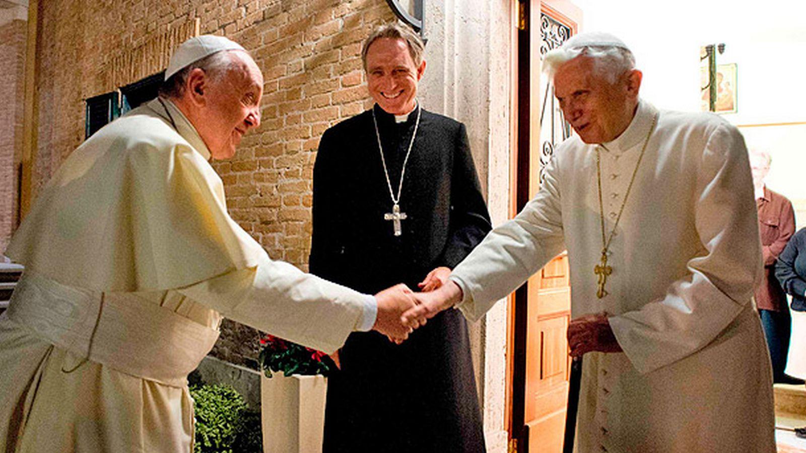 Francisco visita a Benedicto XVI para felicitarle la Pascua