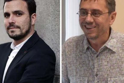 IU pone a parir en Twitter al podemita Juan Carlos Monedero por haber aplaudido la destitución del comunista Sánchez Mato