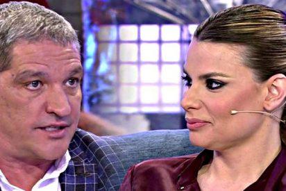 María Patiño deja con el culo al aire al 'marchito' de Gustavo