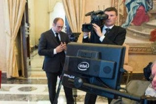 """La Santa Sede destaca el """"tremendo sentido del humor"""" de Stephen Hawking"""