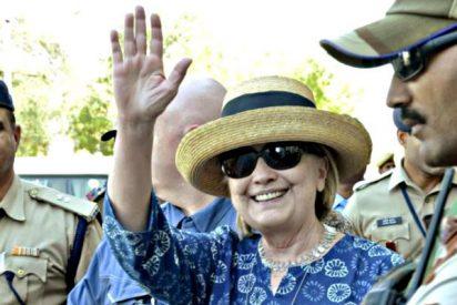 Hillary Clinton resbala en la bañera de un palacio en la India y se fractura la muñeca