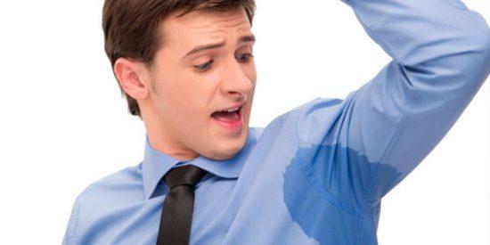 ¿Sabes por qué el sudor de las axilas es apestoso?