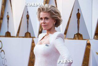 Jane Fonda posa espectacular en los Oscars, a sus 80 años de edad