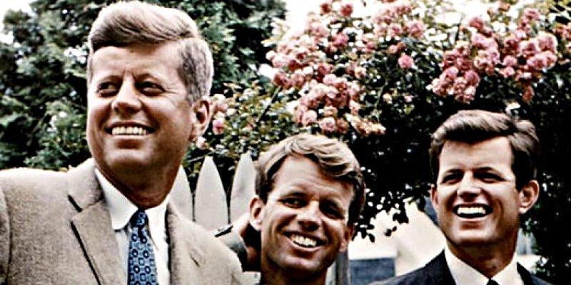 Si hay una 'maldición' que se abate sobre los Kennedy, estos son los 10 momentos clave