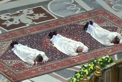 """Francisco advierte a los obispos que deben ser """"servidores y no príncipes"""""""