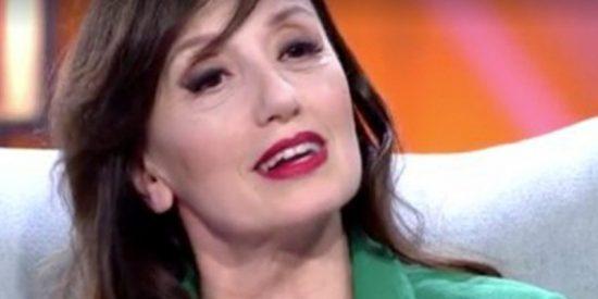 Luz Casal deja con el culo al aire a Toñi Moreno