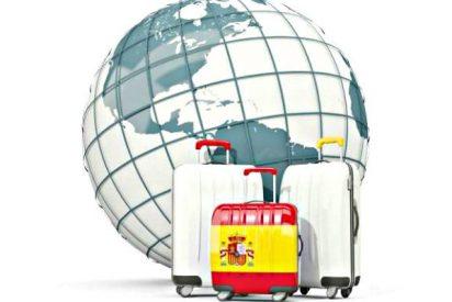 Ya son 2,5 millones los españoles que trabajan o estudian por el mundo