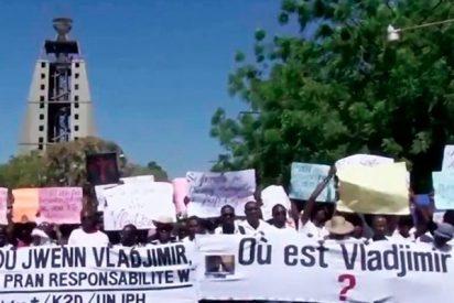 Cientos de personas se manifiestan para exigir justicia tras la desaparición de otra periodista en Haití