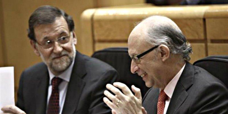 Cristobal Montoro acuerda hasta un 8% de subida de sueldo en tres años para los funcionarios