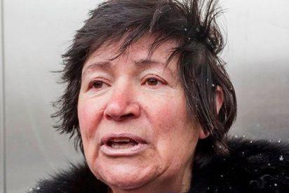 """La mujer que tuvo mellizos a los 64 años: """"No me quitarán a mis niños"""""""