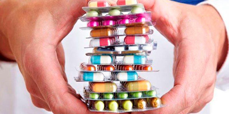 ¿Sabes cómo organizar correctamente los medicamentos en casa?