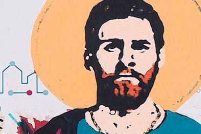 Así convierten a Messi en 'santo' en una calle de Barcelona
