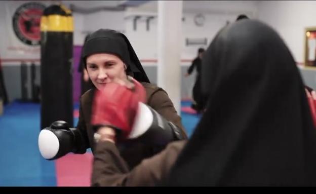 Las 'monjas boxeadoras', pelean por los niños en el ring